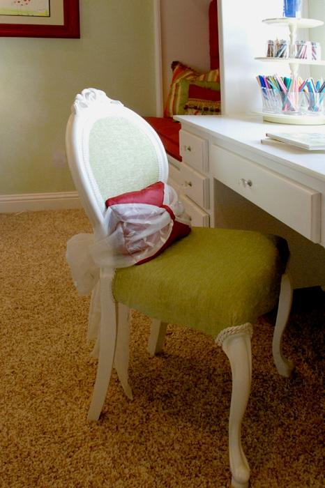 Queen anne Chair Painted White with upholstered Cushion